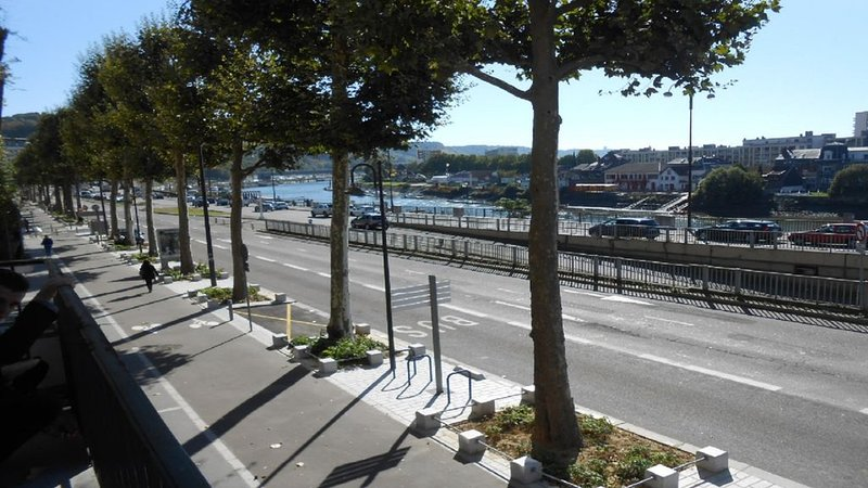 Appartement vue sur SEINE, holiday rental in Le Grand-Quevilly