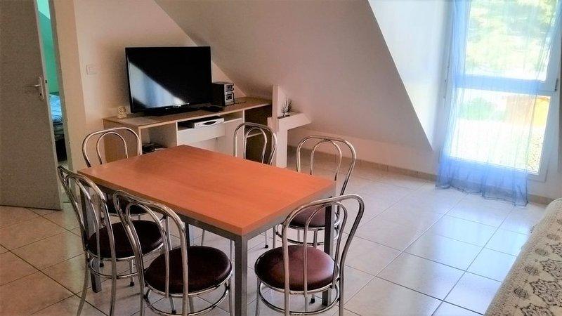 Appartement design (T2 + Mezzanine) à 200 m de la Plage - DAMGAN, holiday rental in Le Tour-du-Parc