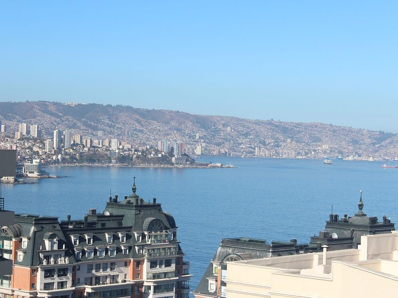 Luxury Condo with Inspirational Views by the Sea, alquiler vacacional en Viña del Mar