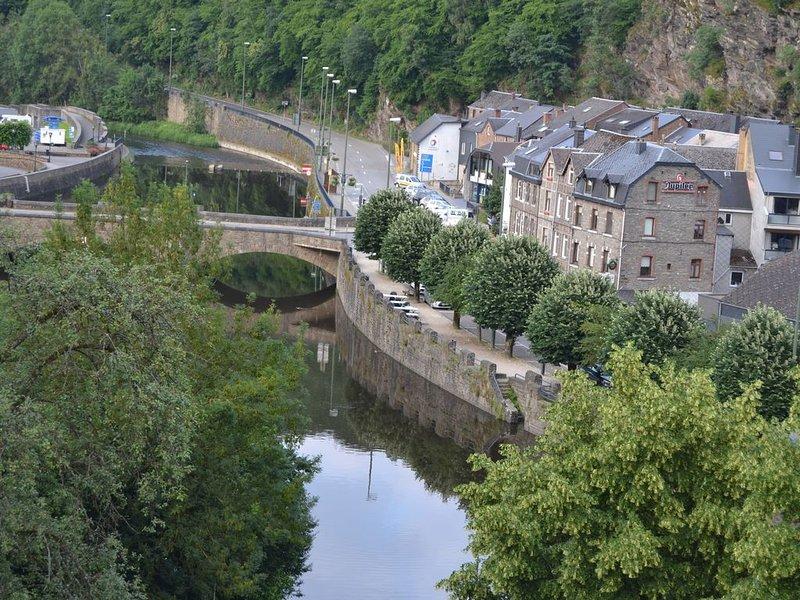 Gîte dans le centre historique de La Roche en Ardenne, vakantiewoning in La Roche-en-Ardenne