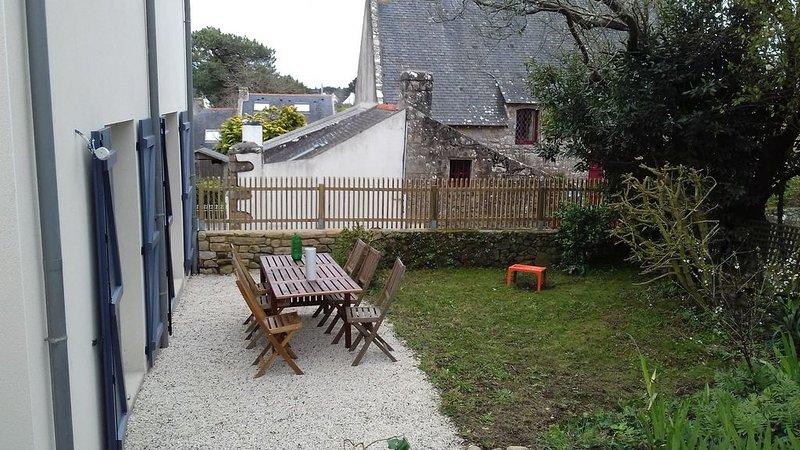 jolie maison neuve à deux pas de la mer dans le village du Monténo., vacation rental in Arzon