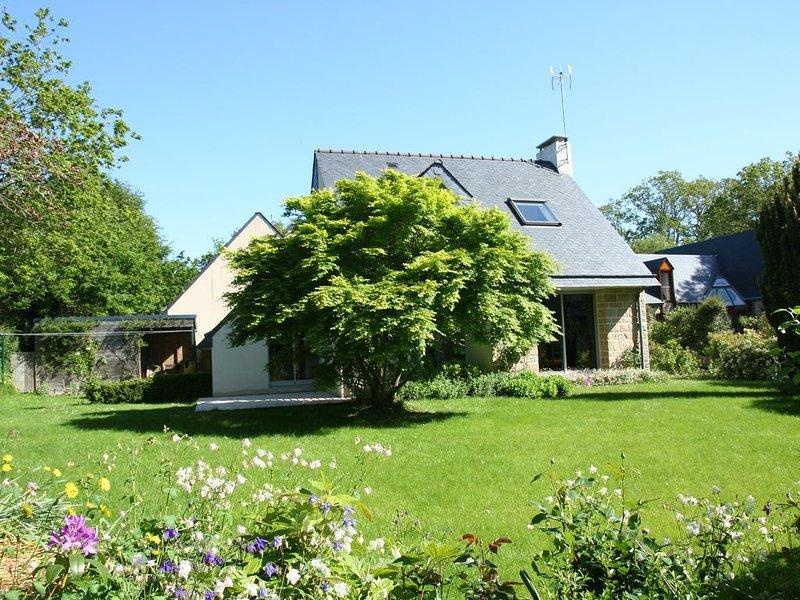 'KERVELTREC' :  Maison de charme à BEG-MEIL à 300 m. de la plage et du GR 34, holiday rental in Fouesnant