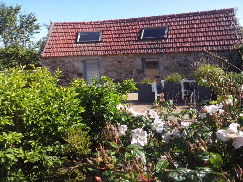 Maison petit Penty De Charme proche de la mer à Trébeurden, vacation rental in Cotes-d'Armor
