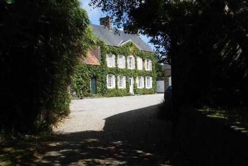 Grande maison de caractère en Normandie, holiday rental in Saint-Lo-d'Ourville
