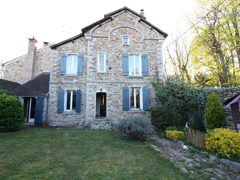 Maison en Pierre avec beaucoup de charme idéale  pour famille., vacation rental in Arbonne-la-Foret