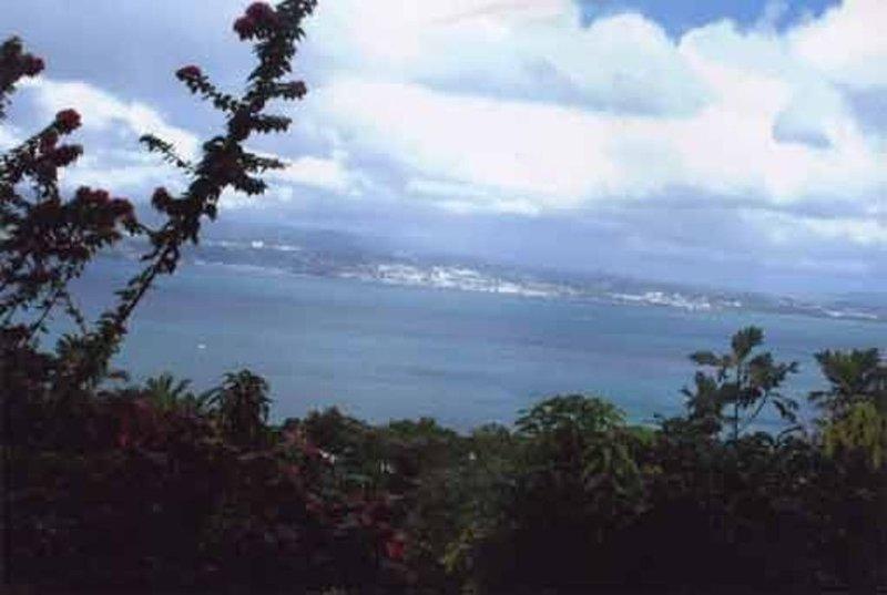 Vous offre une vue panoramique exceptionnelle sur la baie de Fort de France, Ferienwohnung in Martinique