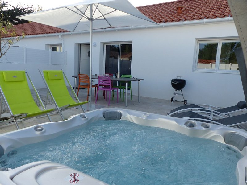 Maison 3*  proche mer et son Spa privatif, vacation rental in Saint-Jean-de-Monts