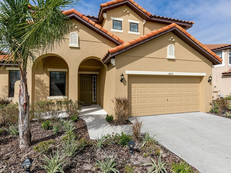 New 6 Bedrooms, Special lighting ,4 miles - Disneys, CHECK THIS OUT!!, holiday rental in Kissimmee