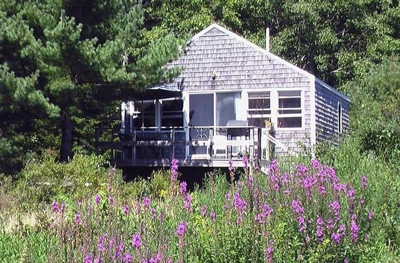 A Maine Seacoast Vacation Cottage, holiday rental in Cushing