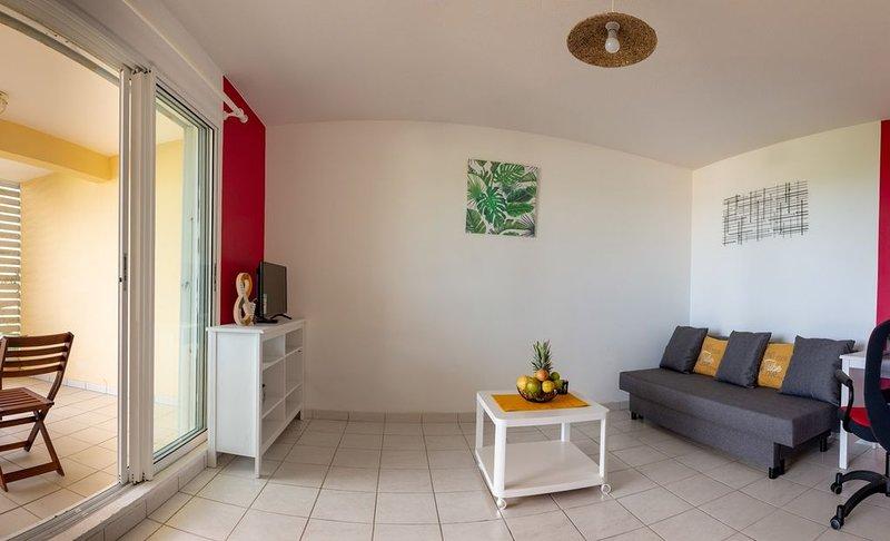 ✅ Appart'Hotel T2 de 45m² avec sa vue océan dégagée, vacation rental in La Trinite