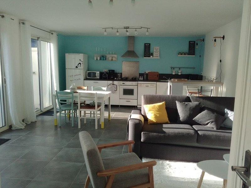 Maison T2 de plain pied avec sa terrasse privée, Lorient, vacation rental in Hennebont