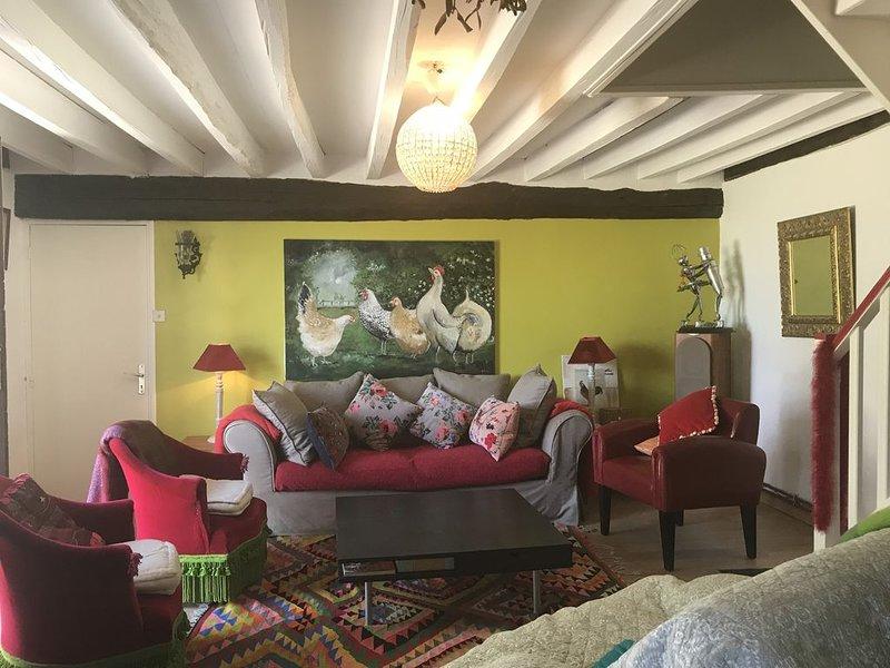 Maison à colombages 'La Bohème' 8 personnes, 2 sdb, et jardin de + de 1000 m2, holiday rental in Orbec
