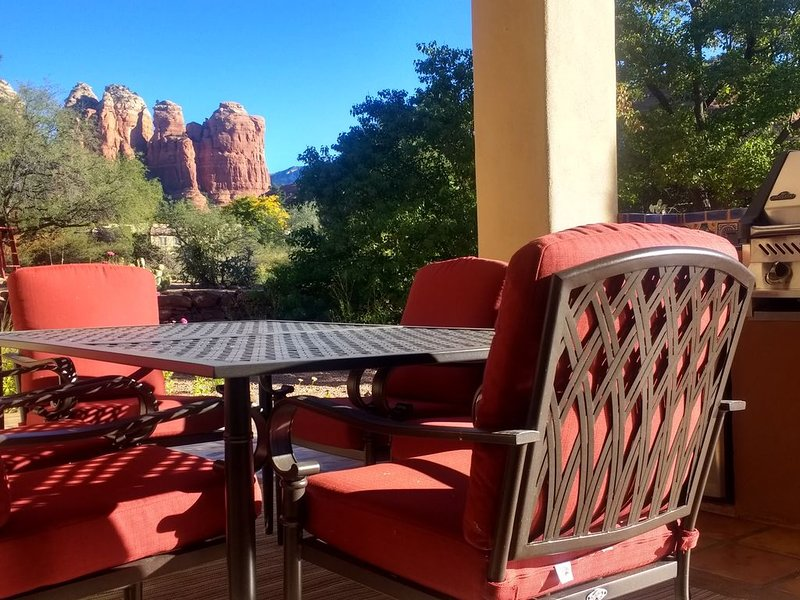 Casa de Saltillo - single level home, gorgeous views, close to trails., Ferienwohnung in Sedona