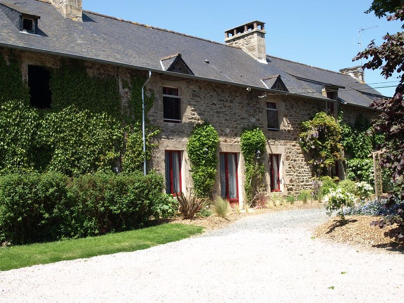 Maison/Gite 3* pour 12-14 personnes - Matignon - Côtes d'Armor - proche mer, holiday rental in Pluduno