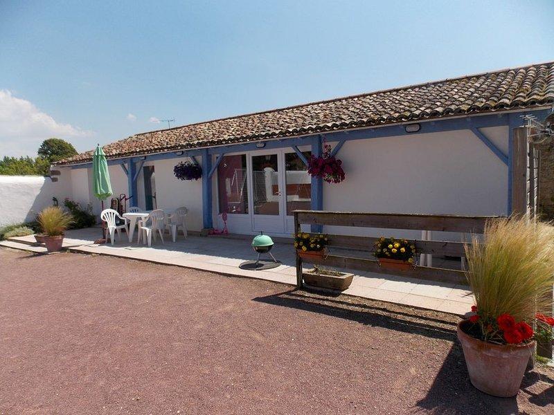 Location classée 3 étoiles -  4 personnes - piscine chauffée, vacation rental in Beauvoir-Sur-Mer