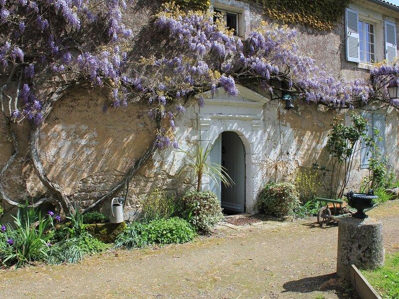 Votre maison a l'Abbaye, proche des plages, dans parc arboré, calme au village, casa vacanza a Angles
