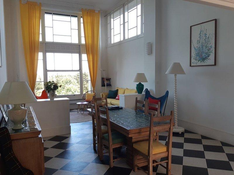 Grand duplex Art déco à Pen Guen, superbe vue mer et golf de Saint Cast, alquiler de vacaciones en Matignon