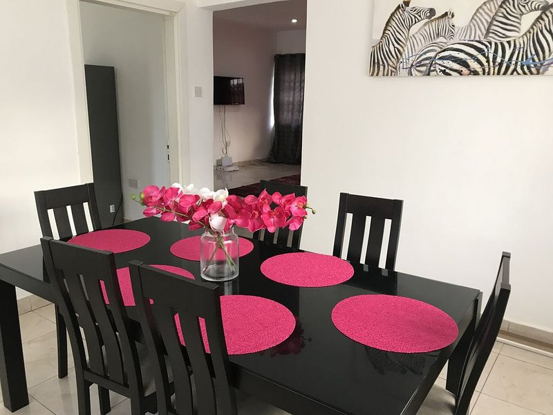 Violettes Villa Vacation Home, holiday rental in Achimota