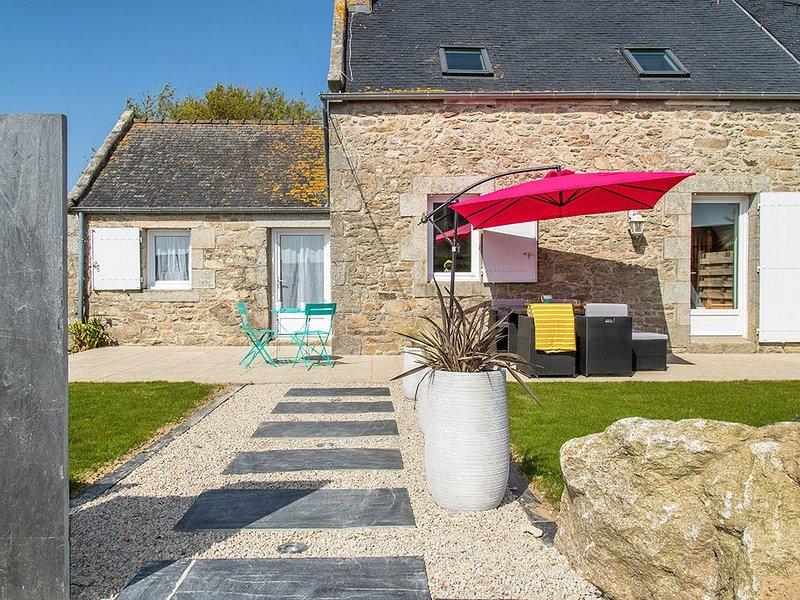 Maison de pêcheur labellisée 4*,  le charme et le calme à 1.2 km des plages., location de vacances à Santec