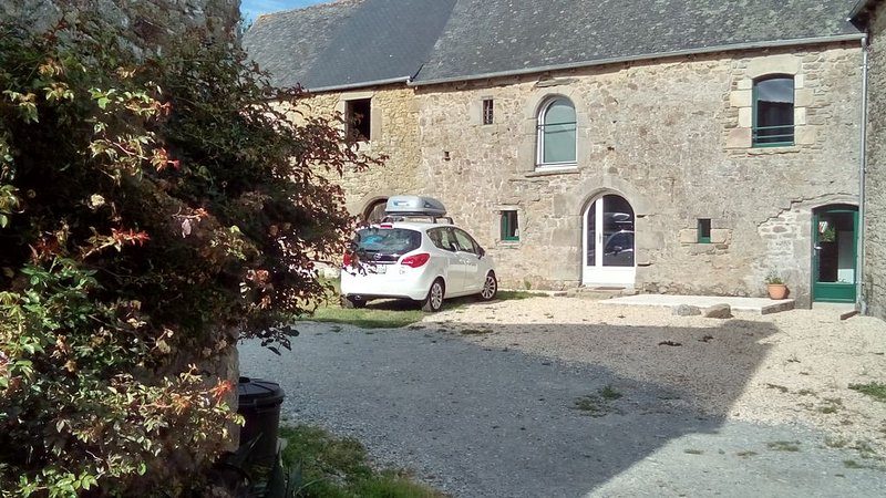 Gite proche Dinan et St Malo, holiday rental in Saint-Pierre-de-Plesguen