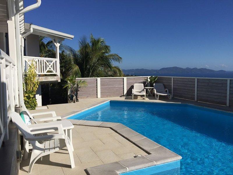 F2 en rez de jardin d'une villa créole contemporaine, Ferienwohnung in Martinique