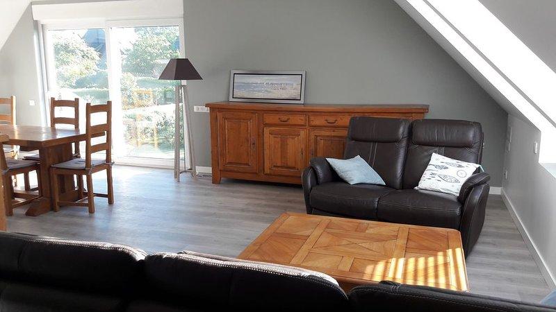 grand appartement vue mer refait à neuf Proche perros guirec ploumanach, vacation rental in Trelevern