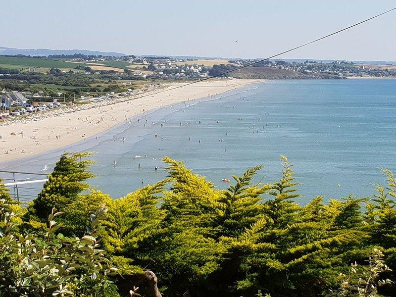 Maison sur la falaise vue mer face à la plage de Pentrez, location de vacances à Saint-Nic