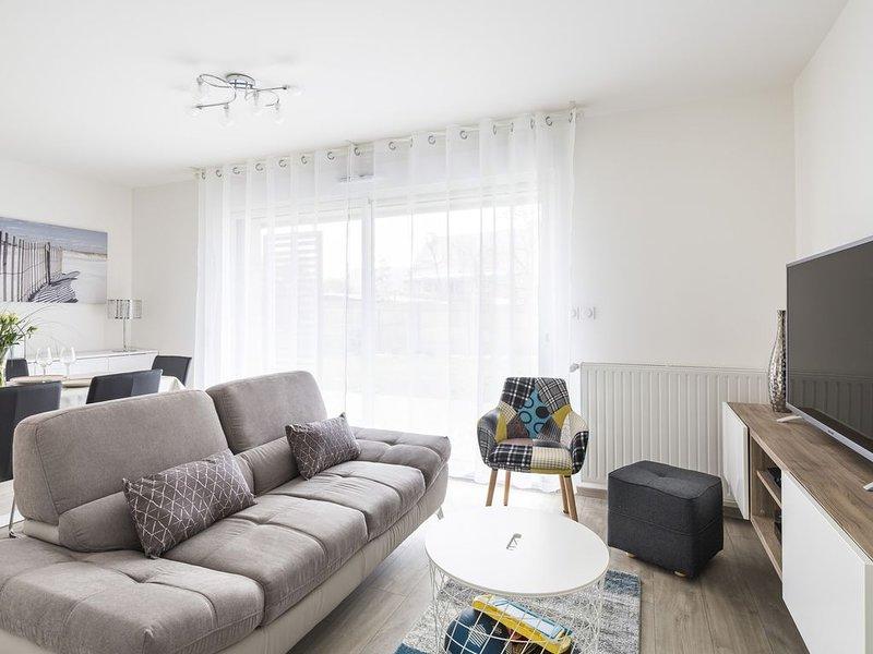 LE GARDEN - Vaste appartement avec Jardin et terrasse, location de vacances à Pleurtuit