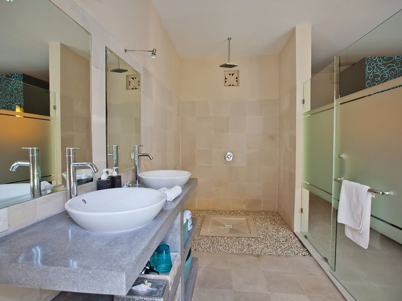 Peaceful, Cozy Villa with Private Pool and Good Internet (Mia), vakantiewoning in Pererenan