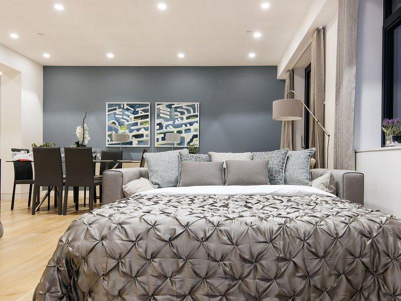 A STUNNING 3 BEDROOMS 3 ENSUITES NEXT TO TRAFALGAR SQUARE AND THE RIVER, alquiler de vacaciones en Londres