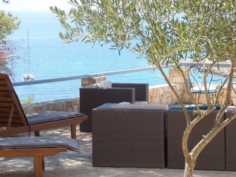 PROMOTION VILLA DE MER AVEC  EXTRAORDINAIRE VUE  MER, holiday rental in Milna