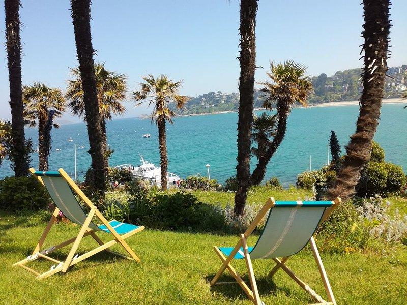 Perros-Appt classé 3*,Panoramique Mer-Direct Plage TRESTRAOU,Jardin Arboré,WIFI, location de vacances à Perros-Guirec