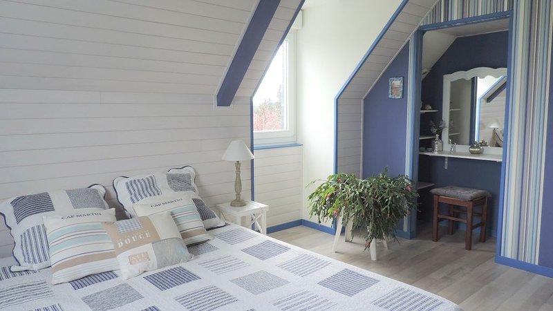 Les Chambres d'hôtes des Badious 'Chambre Chausey', holiday rental in La Fresnais