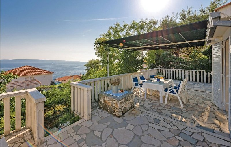 3 Zimmer Unterkunft in Okrug Gornji, holiday rental in Okrug Gornji