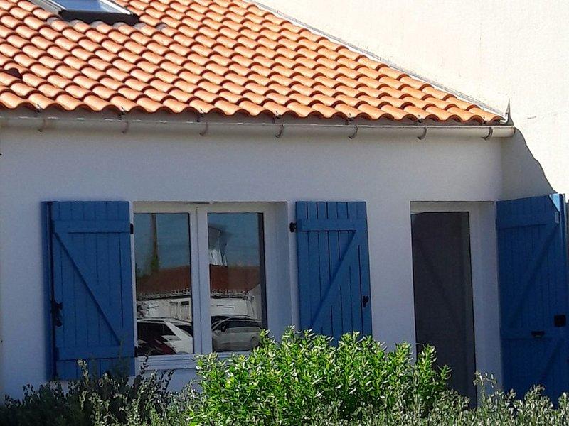 Maison rénovée à Sion sur l'Océan (St Hilaire de Riez) - centre/mer/plage à pied, holiday rental in Saint-Hilaire-de-Riez