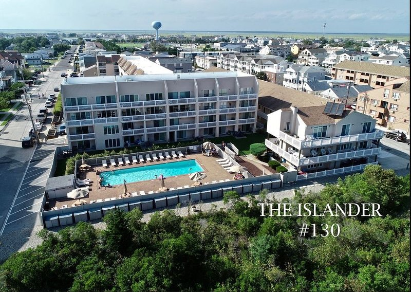 Oceanfront Condo - Steps from the beach and minutes from AC!, holiday rental in Brigantine