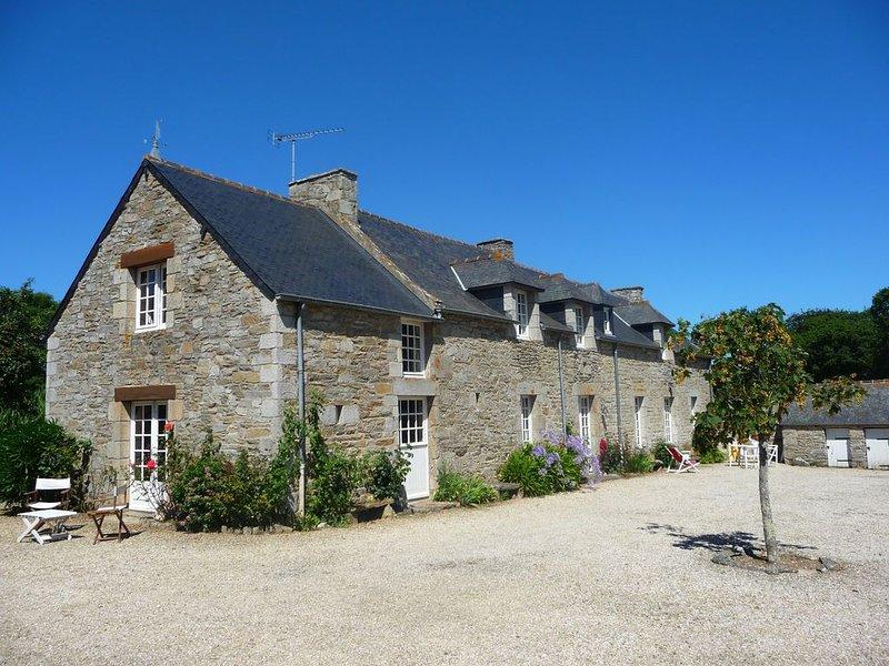 Grande maison familiale, au calme, proche des plages., alquiler de vacaciones en Matignon
