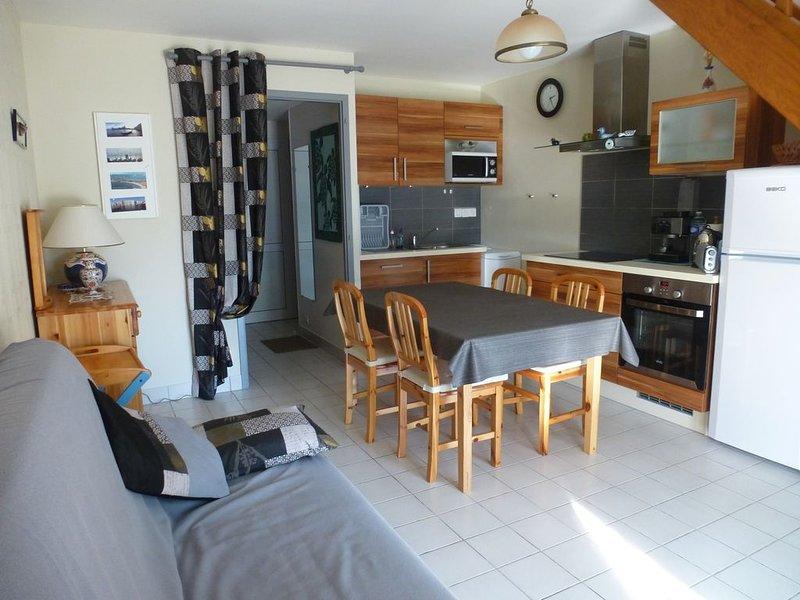 maison dans résidence, piscine couverte(1), 350 m plage et côte sauvage, location de vacances à Batz-sur-Mer