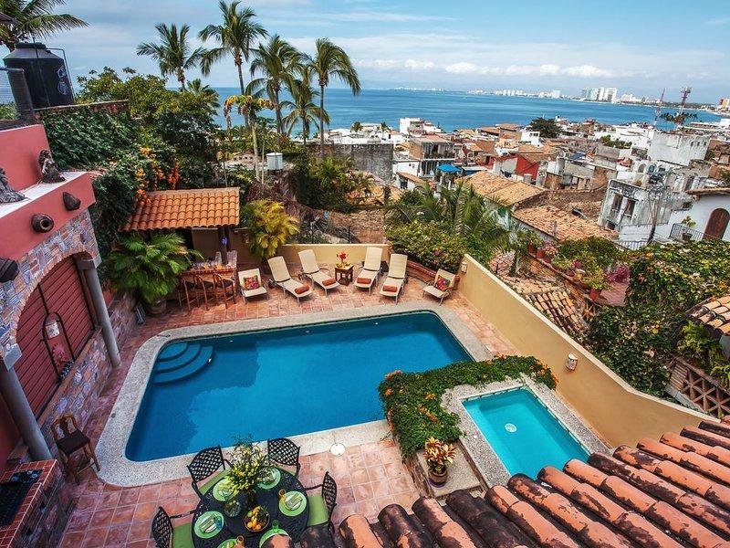Gorgeous villa centrally located overlooking Banderas Bay, holiday rental in Puerto Vallarta