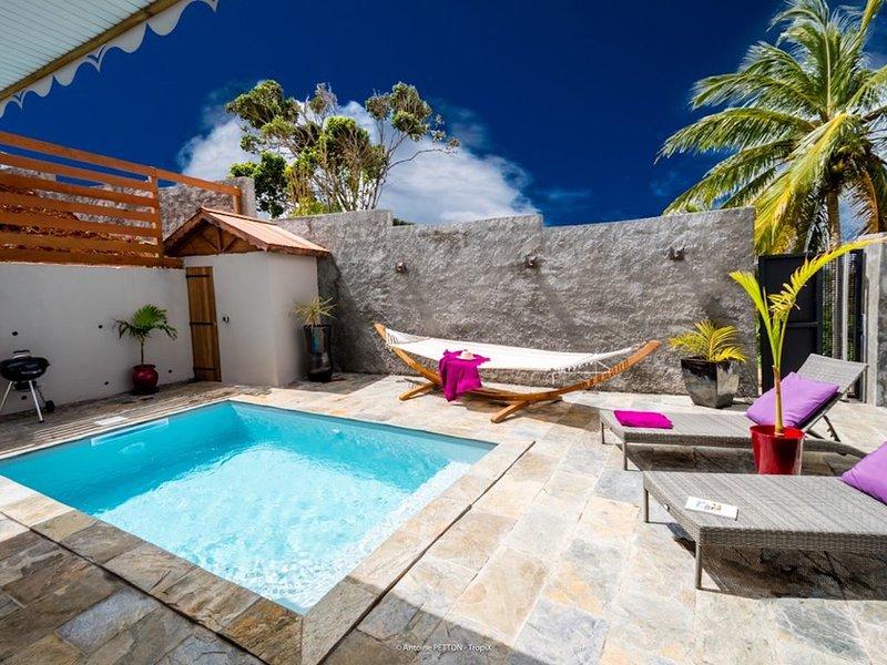 Villa de standing à 7 min des plages, piscine privée au sel., holiday rental in Sainte-Luce