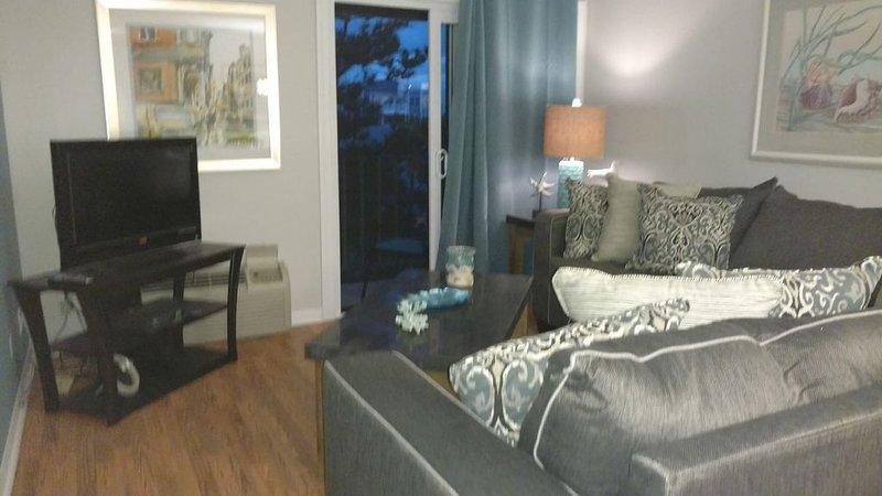 ANTIVIRAL FOGGER!Newly reno. Ocean Front  2 Bed. Condo Sleeps 6 LUX $2300 / wk., vacation rental in Seaside Park