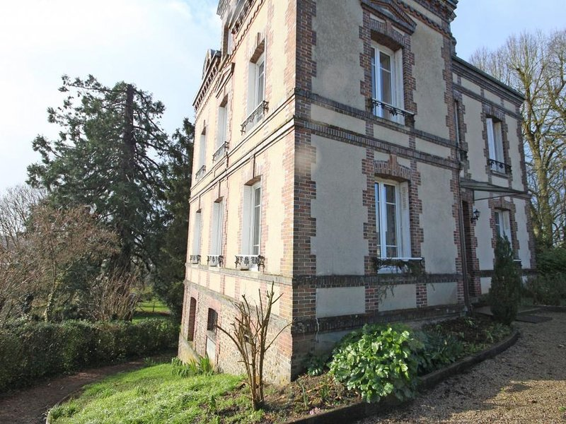 maison de famille louée à la nuité, week end ou semaine., location de vacances à Moulins-la-Marche