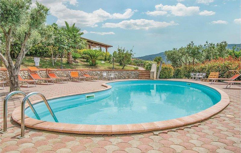 2 Zimmer Unterkunft in Ricadi, vacation rental in San Nicolo