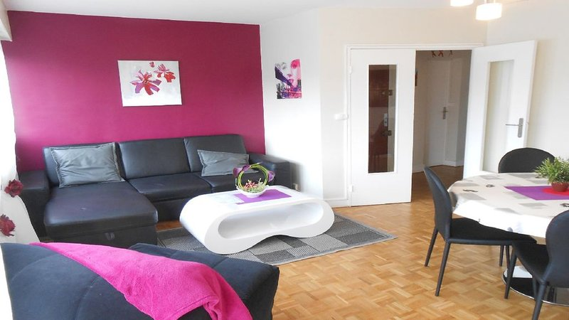 Bel appartement  à Rouen+ PARKING, holiday rental in Le Grand-Quevilly