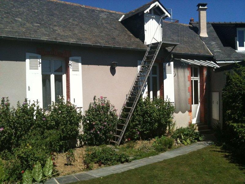 La Maison des Années '20'  - Angers Centre - (Wifi), location de vacances à Briollay