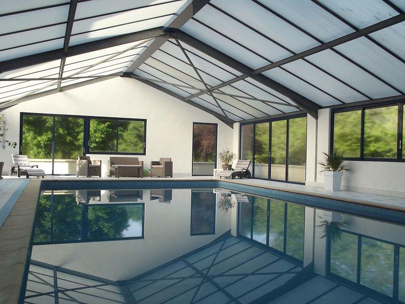 Gîte au calme avec piscine, holiday rental in Saint-Jean-des-Echelles