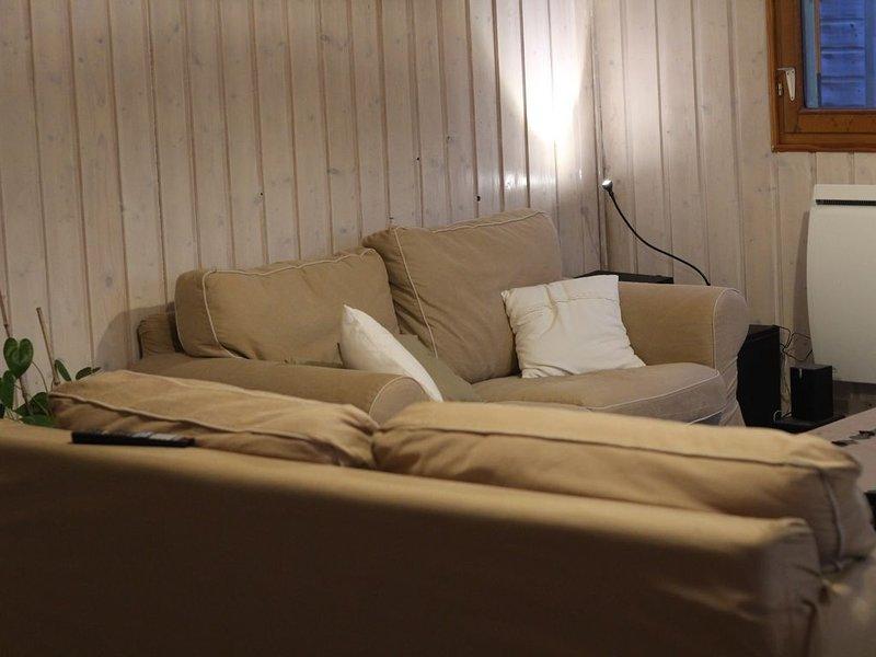 Maison en bois cosy au Dossen, location de vacances à Santec