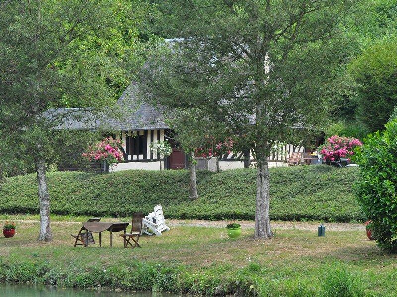 Maison normande en pleine nature  avec plan d'eau, aluguéis de temporada em Asnieres