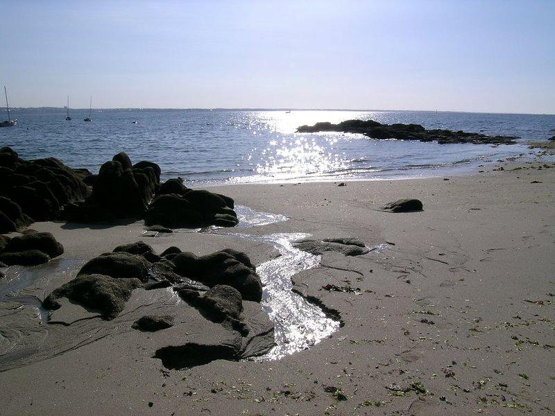 Magnifique endroit gite H 5 m Benodet et plages, holiday rental in Clohars-Fouesnant