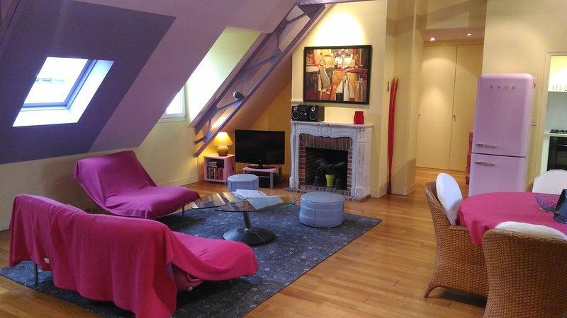Saint Malo IntraMuros - appartement T2 LOFT de 61m² - 2 à 4 personnes, holiday rental in Saint-Malo